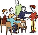 Menschen empfangen eine behinderte Person.