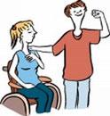 Eine Frau mit Rollstuhl mit einer Frau ohne Rollstuhl. Beide sind stark.