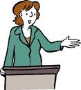Eine Frau hält eine Rede.